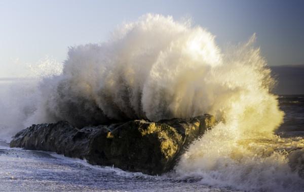 Rogue Wave by owen_john