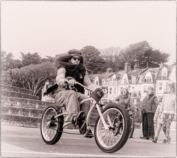 Bournemouth Cyclist 6 by Kurt42