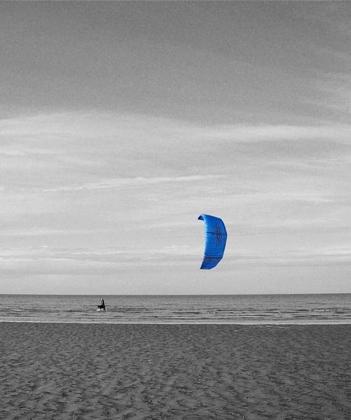 Kitesurfing by magsyuk