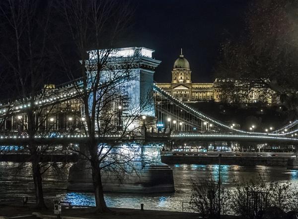 Budapest by Dixxipix