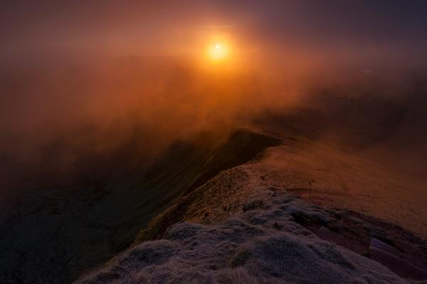 Frosty sunrise... by J_Tom