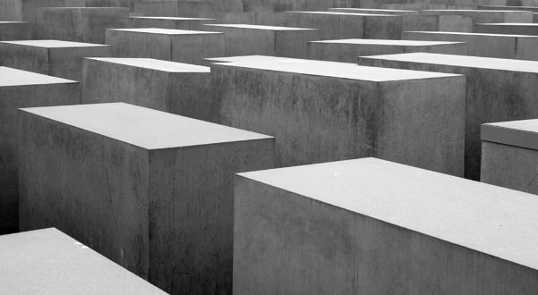 Holocaust Memorial by g0hop