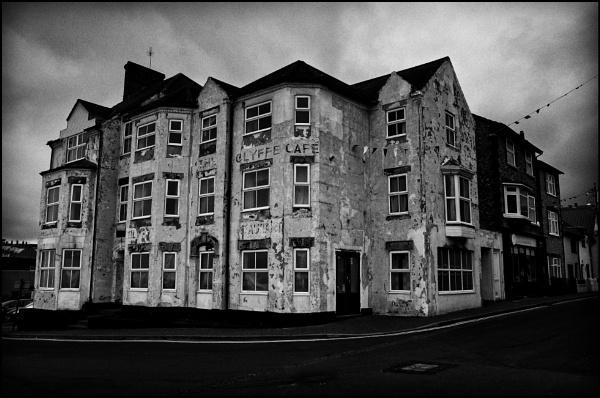 Bad Hotel, Sheringham by bwlchmawr