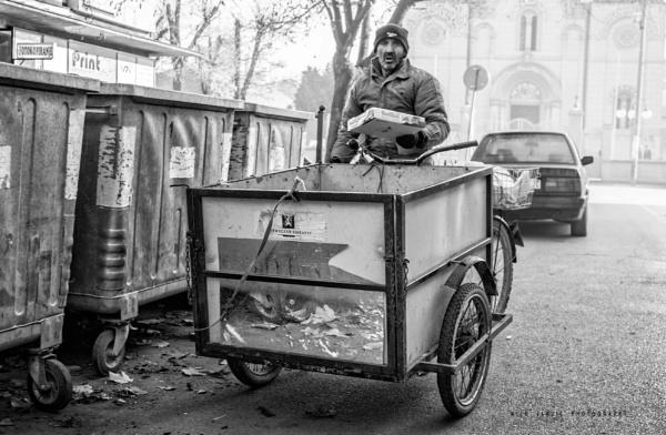 Urban Scene XXXI by MileJanjic
