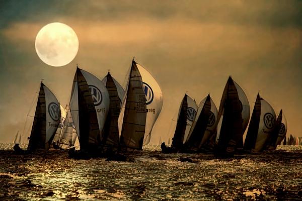 Bad Moon Rising by sandwedge