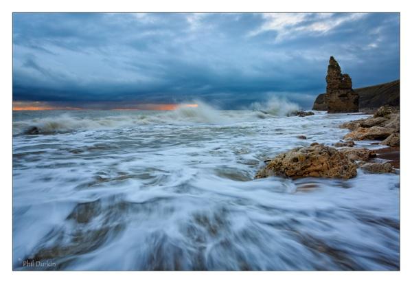 Crashing Waves by Philpot
