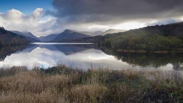 Llyn Padarn, Snowdonia by hrsimages