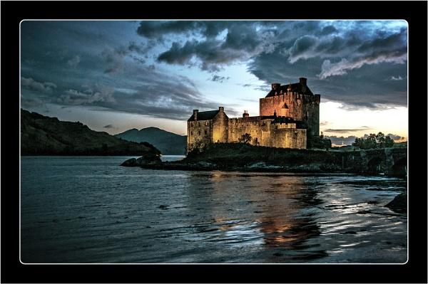 Eilean Donon Castle by dven