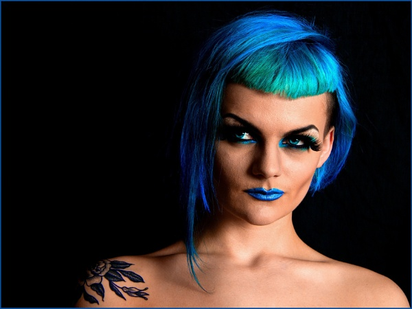 ELECTRIC BLUE by tw3