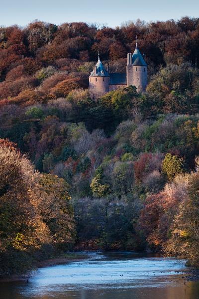 Castell Coch in Autumnal Attire by Tynnwrlluniau