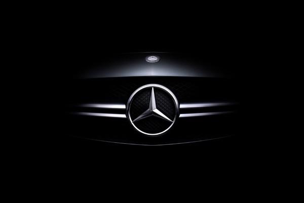 Mercedes-Benz grill by Sarel