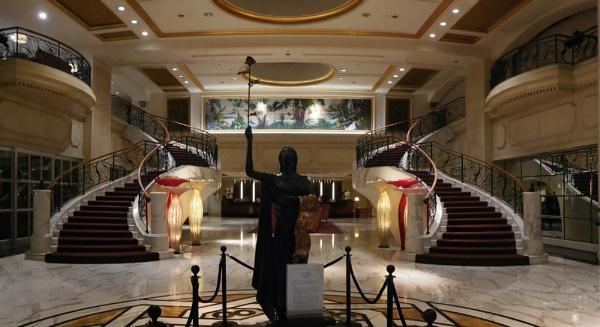 Lobby of Royal Plaza on Scotts 2 by StevenBest
