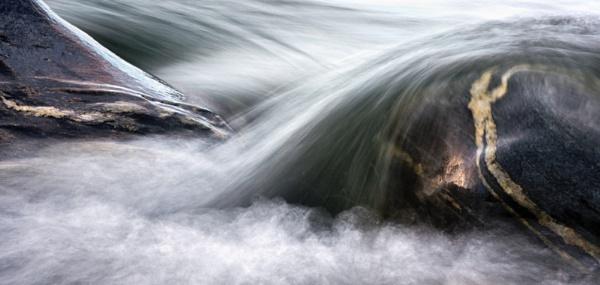 Wet Rocks by MisterPer