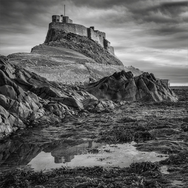 Lindisfarne Castle, Holy Island, Northumberland by DaveTurner