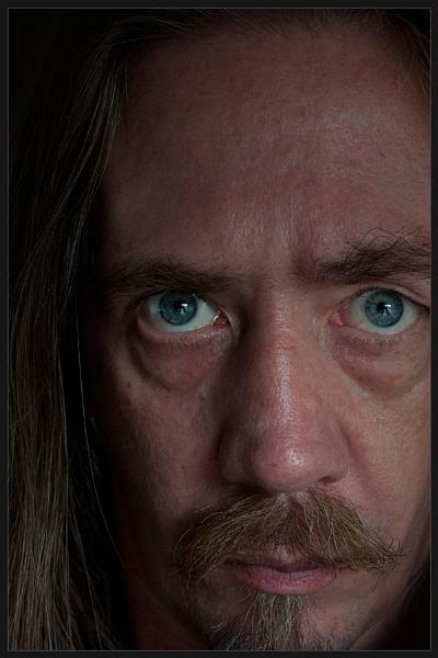 \'Ol Blue Eyes by Morpyre