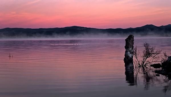 Pre Dawn at Mono Lake by Zydeco_Joe