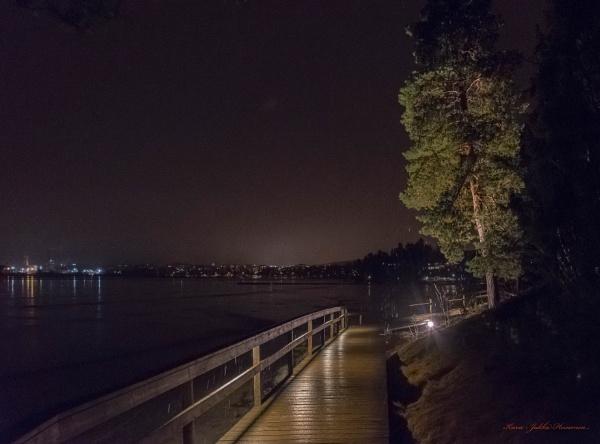 Lohja lake in the evening. by kuvailija