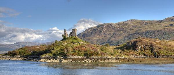 Kyleakin Castle by fandangofandingo
