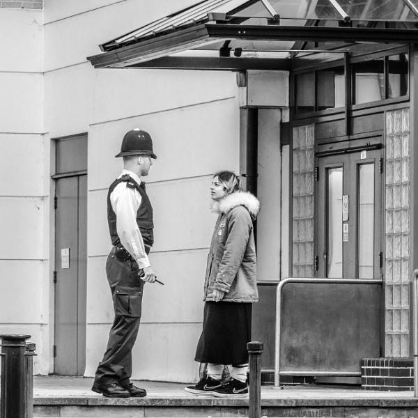 friendly conversation ?? by mogobiker