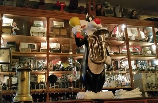 Porto pub.. by Suzie69