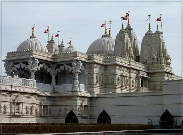 BAPS Shri Swaminarayan Mandir by CarolG