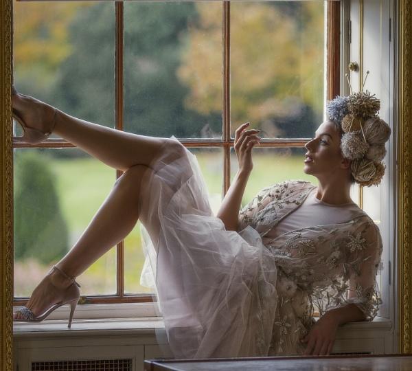 The Window Seat by moerobinson