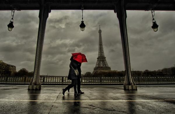 Love in Paris by aliguven