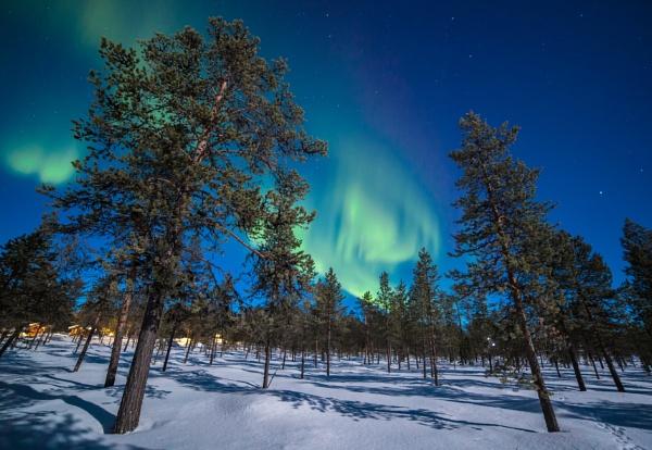 Aurora And Moonlight Sweden by Legend147