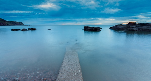 Long exposure at Auchmithie. by Osool