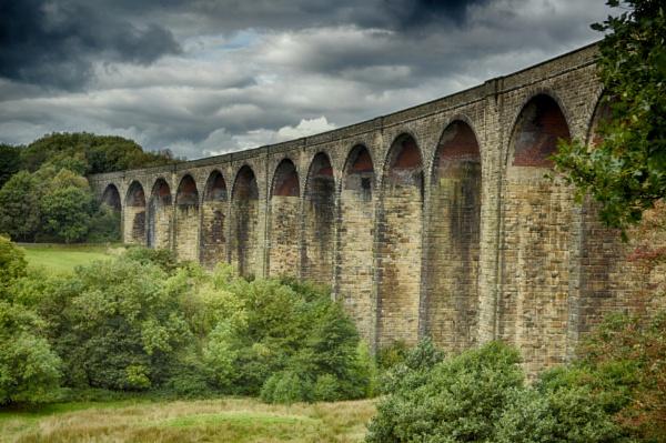 Hewenden Viaduct. by lufc62