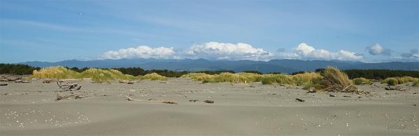 Tararua Range from Kuku Beach (2454) by paulknight