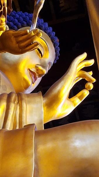 Jingyan temple Buddha by jmotzkin