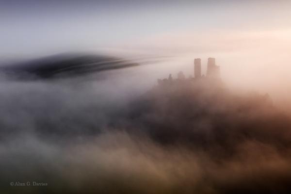 A Mist Opportunity? by Tynnwrlluniau