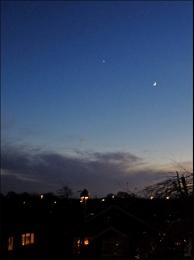 Photo : The Moon and Venus