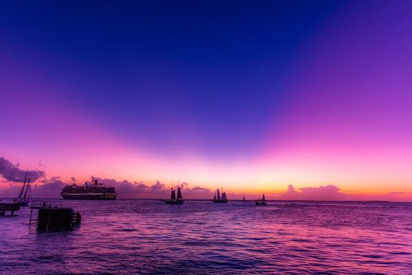 Setting Sun in Key West by MarkTs