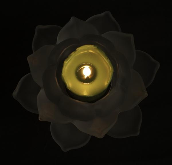 Candle light by Jat_Riski