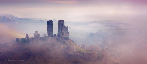 Final Mist-erious Corfe Castle image by Tynnwrlluniau