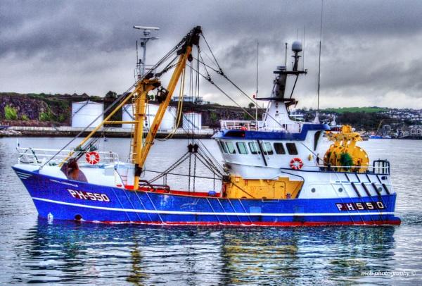 Fishing Trawler by shell68