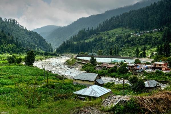 Village Barot [India] by Bantu