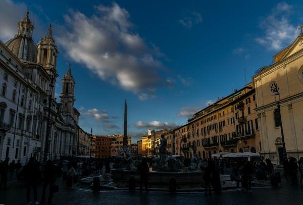 Piazza Navona at dusk by LGHSTF