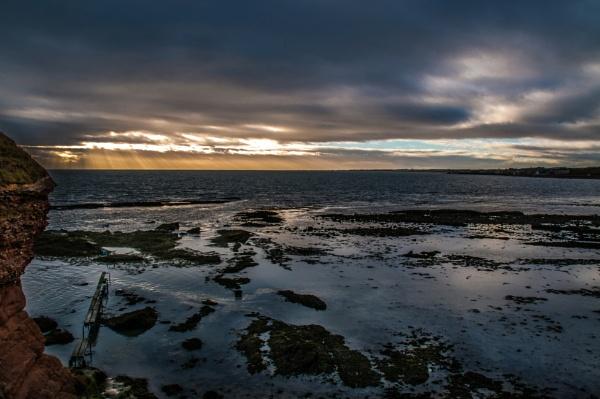 Arbroath Cliffs by gc80uk