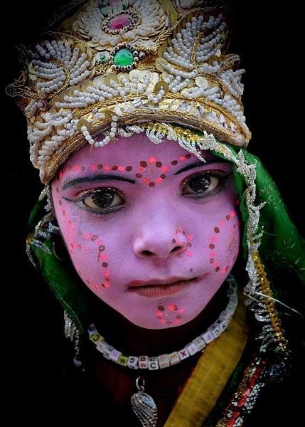 street performer in Pushkar by sawsengee