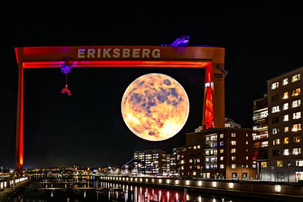 Moon light over Eriksberg by blomman