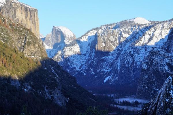 Yosemite Valley by cconstab