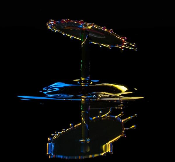 Water drop collision. by glsammy