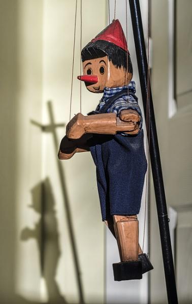Marionette by nonur