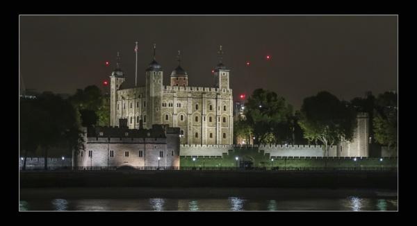 Tower of London by minib