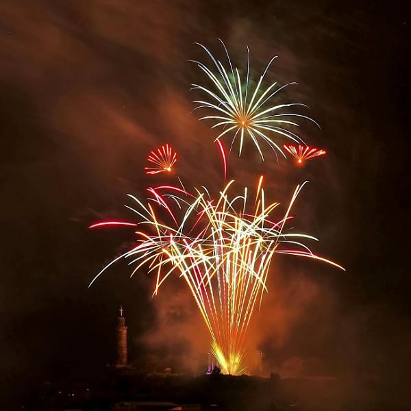 Calton Hill Fireworks by photowanderer