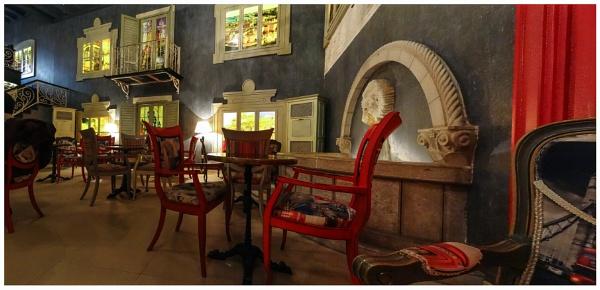 Fontana  Cafe by nklakor