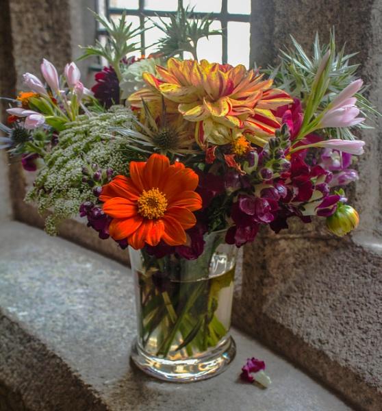 Vase of Flowers by sarumboy